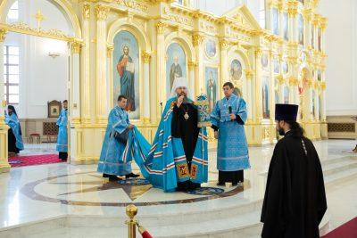 В канун отдания праздника Успения Пресвятой Богородицы митрополит Серафим совершил всенощное бдение в Спасском кафедральном соборе