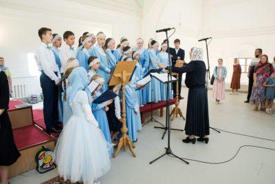 «Вопросы веры». Выпуск посвящен детско-юношеской хоровой школе «Преображение»