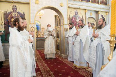 В день своего рождения митрополит Серафим совершил литургию в Спасо-Преображенском мужском монастыре