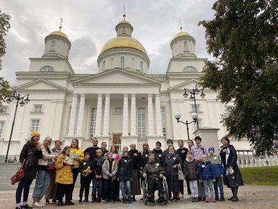 Дети и молодые люди с ограниченными возможностями стали участниками квеста на Соборной площади