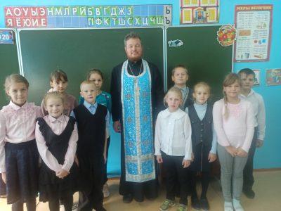 Священнослужитель рассказал школьникам села Елизаветино о святом благоверном князе Александре Невском