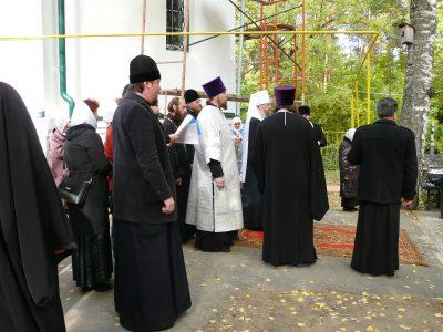 Митрополит Серафим совершил панихиду на могиле протоиерея Алексия Попкова в годовщину его кончины
