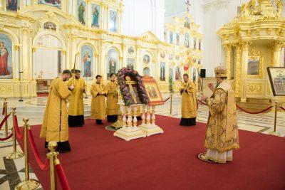 В канун Недели 15-й по Пятидесятнице митрополит Серафим совершил всенощное бдение в Спасском кафедральном соборе