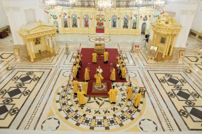 Митрополит Серафим совершил акафист святителю Иннокентию Пензенскому в Спасском кафедральном соборе